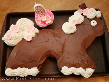 creative easy cupcake cake