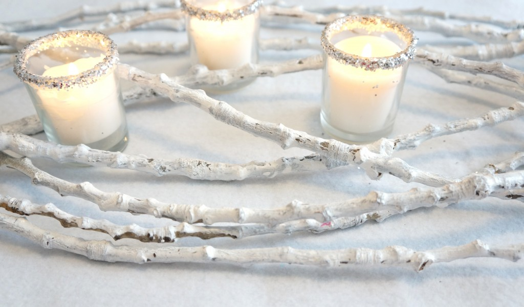An easy but elegant DIY winter centerpiece using items you probably already have. Super frugal way to decorate for Thanksgiving, Christmas, or New Year's Eve.