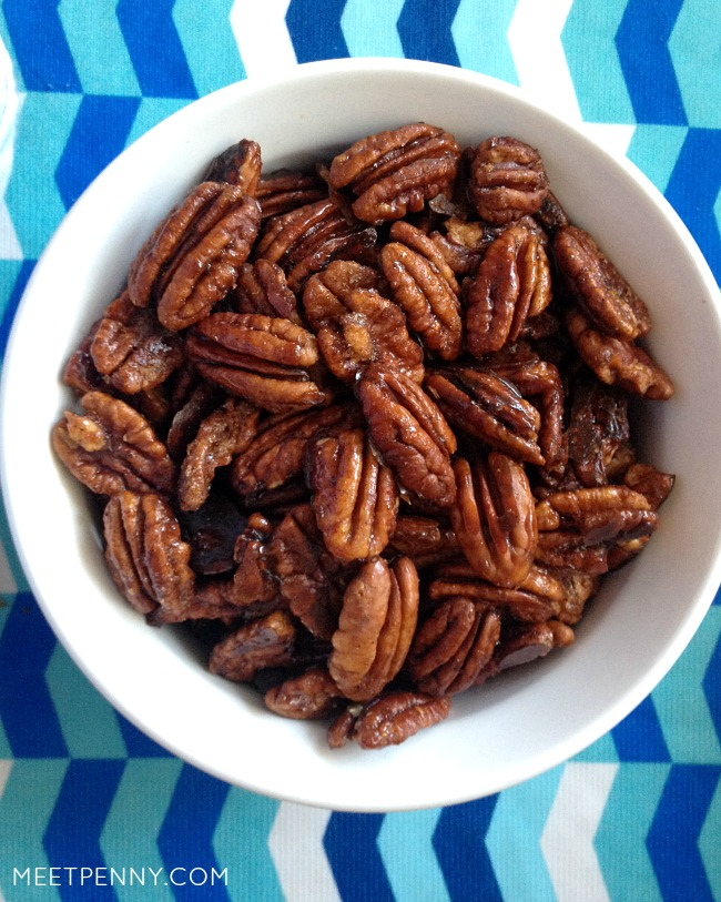 Sweet and Spicy Pecans (Weekend Potluck #172)