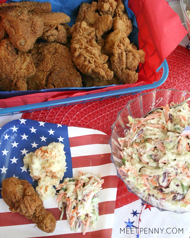 Love this super easy July 4th menu. Stop by Walmart for fried chicken. Make the sides including this amazing slaw with creamy coleslaw dressing. Love the banana pudding jars too! #ad