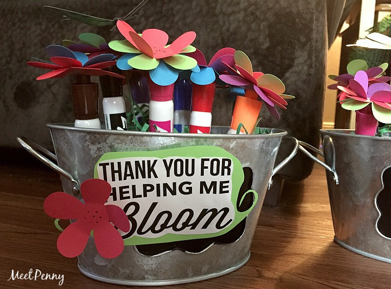 This Expo Marker teacher gift idea is simple and cute... Perfect for Teacher's Appreciation Week. Includes a free printable.